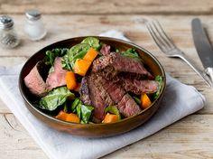 Salat im Herbst: Spinatsalat mit Steak und Kürbis