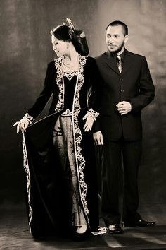 Wants a look like old photo wirh tradtional classic javanesse clothes for my wedding and heres some that i like most!