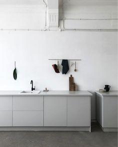 Kitchen grey cabinets
