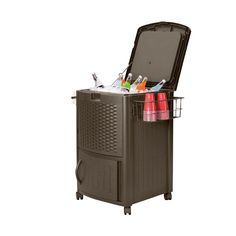 The Suncast Resin Wicker cooler allows you to store up to 6 two-liter bottles or 72 cans, ensuring that your friends and family are never without a cold drink.