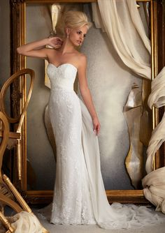 Mori Lee - Style 1914 - Strapless, sweetheart neckline with slim skirt - Venice Lace Appliques on Chantilly Lace with Delicate Chiffon