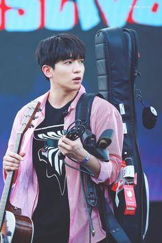 Korean Bands, South Korean Boy Band, Extended Play, K Pop, Park Sung Jin, Kim Wonpil, Jae Day6, Bob The Builder, Rock Bands