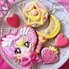 Sailor Chibi Moon by Sailor Moon Birthday, Sailor Moon Party, Sailor Moon Cakes, Sailor Chibi Moon, Cupcakes, Moon Food, Moon Cookies, Anime Cake, Kawaii Dessert