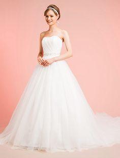 ウエディングドレス、高品質な結婚式ドレスならW by Watabe Wedding / LINO