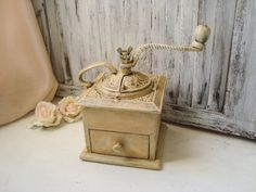 Vintage Cast Iron Coffee Grinder Rustic by WillowsEndCottage