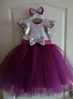 Crochet dress party tutus New ideas Frocks For Girls, Girls Party Dress, Little Girl Dresses, Girls Dresses, Dress Party, Kids Dress Wear, Kids Gown, Baby Dress, Baby Frocks Designs
