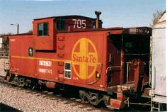 Atchison Topeka and Santa Fe caboose - I loved it when the caboose went by while sitting and waiting at the rail road crossing for a train as a boy. Train Clipart, Choo Choo Train, Burlington Northern, Sea To Shining Sea, Rail Car, Old Trains, Train Tracks, My Favorite Part, Model Trains