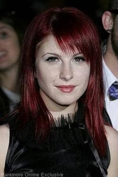 redhead schoolgirl makes nice bj