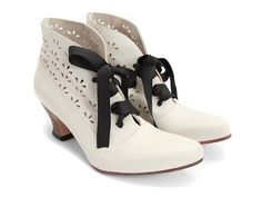 Ahhhh !! I want !! and there not high heels!!! Rather pricey thou...but I hear Fluevog's are extermly comfortable!!