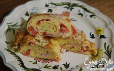 Рулет из омлета с ветчиной и сыром  | Кулинарные рецепты от «Едим дома!»