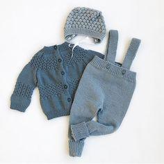 @frmarielle Disse fargene💙 #lillebringebærjakke#margotbukse#kulekyse#knittinginspiration#knitspiration#knitinspire#instaknitters#strikktilbarn#babystrikk#guttestrikk#barnestrikk#babyknits#knitforboys#neatknitting#ministil#kids_knitting_inspiration#knitinspo123#norwegianmade#norwegianmadeknitting #knitting_inspiration#knitting#instaknit#knitstagram#knittersofinstagram#i_loveknitting#knittinglove#knitting_is_love#strikking Crochet Cross, Knit Crochet, Kids Fashion Photography, Pattern Library, Beautiful Babies, Design Your Own, Knitting Projects, Baby Knitting, Baby Dolls