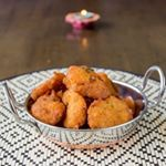 Fiji Indian bara is a much loved snack in many homes. It is an Indian fritter made from ground lentils, chillies and spices. Indian Snacks, Indian Food Recipes, Fijian Recipes, Indian Sweets, Fish Recipes, Recipies, Curry Recipes, Vegan Recipes, Cooking Recipes