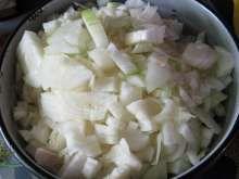 10:00 Príprava cibule - koľko mäsa, toľko cibule Cabbage, Vegetables, Food, Goulash Soup, Peeling Potatoes, Beef, Food Portions, Foods, Meal