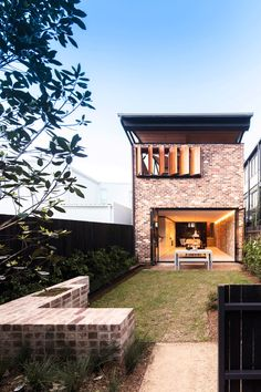 The property for the Sydney-based Truss House has an industrial past, which led Carterwilliamson Architects to incorporate salvaged roof trusses. Terraced House, Architects Sydney, Roof Trusses, Terrace Design, Victorian Terrace, Villa, Industrial House, Facade House, Exposed Brick