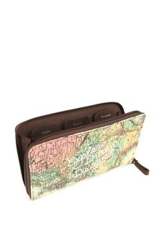 Get organised when you travel! Carry the Globe Trotter Travel Wallet available in numerous styles with four separate tabs inside and a zipper pocket there is a spot for everything! Dimensions: 25cm x 15cm