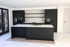 Parisian Kitchen, Swedish Kitchen, Cosy Kitchen, Scandinavian Kitchen, Kitchen Storage, Kitchen Banquette, Freestanding Kitchen, Small Kitchen Layouts, Minimalist Kitchen