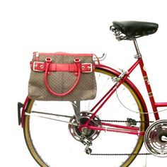 Pink Accented Purse Pannier