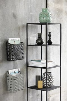 Praktischer Korb Bamboo Cube in Grau von house doctor mixing the elements-rather than matching! House Doctor, Vintage Furniture, Home Furniture, Etagere Design, Van Home, Bamboo Basket, Black Bamboo, Hanging Frames, Industrial Interiors