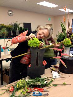 Modern Flower Arranging – roots to blooms Modern Flower Arrangements, Flower Show, Abstract Flowers, Ikebana, Flower Decorations, Wedding Decorations, Planting Flowers, Art Decor, Garden Design