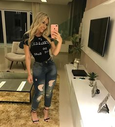 """Train your mind to see the good in everything. Casual Date Night Outfit, Casual Date Nights, Night Outfits, Nara, Summer Looks, Shorts, Leather Pants, Sexy, Womens Fashion"