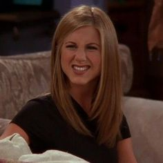 jennifer aniston Same Jennifer Anniston Aniston Jennifer Jennifer Anniston Aniston Anniston Jennifer Estilo Rachel Green, Rachel Green Hair, Rachel Green Friends, Rachel Green Outfits, Serie Friends, Friends Cast, Friends Moments, Friends Tv Show, Friends Forever