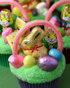 25 Easter Cupcakes - Easter Basket
