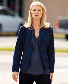 Power Dressing Lessons Learned From Female TV Characters - Carrie Mathison, Homeland from Power Dressing, Detective Outfit, Carrie Mathison, Star Work, Wardrobe Design, Celebrity Moms, Professional Women, Homeland, Female Characters