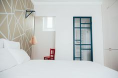 Une verrière bleue hommage à Mondrian
