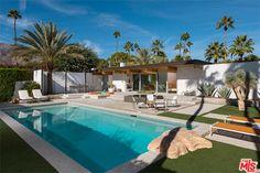 1950s Donald Wexler-designed midcentury modern in Palm Springs, California, USA…