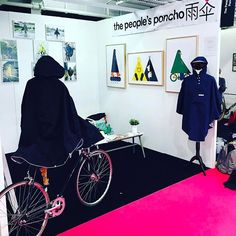 At the people's poncho, we bring you an exciting range of cycling rain cape in various patterns. These ponchos are easy to carry in a compatible waterproof bag. We make sure your gadgets are kept dry with our 100% waterproof zipped front pocket.