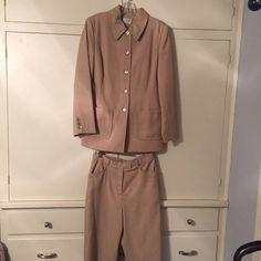 Ann Taylor loft suit Polyester/wool blend, gorgeous camel color, both pieces are sz 8 LOFT Other
