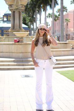 http://4.bp.blogspot.com/-ixKKd180TjE/VQOGIJtBCvI/AAAAAAAABws/K_jB5YK8LpA/s1600/jbrand-love-story-jeans_9758.JPG