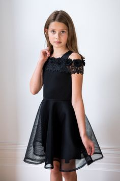 Push the style envelope with our black floral bandeau dress. Exclusive to our latest collection, this bespoke gown will add instant star quality. Dresses For Tweens, Dresses Kids Girl, Kids Outfits, Cute Outfits, Preteen Girls Fashion, Baby Girl Fashion, Kids Fashion, Frock Design, All Black Dresses
