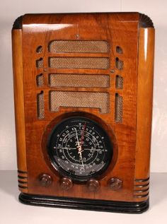 Zenith 5-A-127 Tomnstone Radio (1937)
