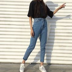 Kstyle uploaded by —shakira.✨ on We Heart It - Lara Hassana - Kstyle uploaded by —shakira.✨ on We Heart It Bild von —shakira.) deine eigenen Bilder und Videos auf We Heart It - Mode Outfits, Jean Outfits, Casual Outfits, Casual Jeans, Camp Outfits, Grunge Outfits, Look Fashion, 90s Fashion, Fashion Outfits