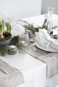 Christmas tablesetting with nature in focus - stylizimo