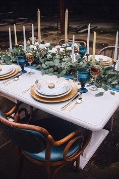 Prettiest wedding tablescapes - 45 Ways to Dress Up Your Wedding Reception Tables ; From rustic to elegant sophisticated wedding. Don't miss these 45 fabulous wedding tablescapes for wedding reception Wedding Reception Tables, Wedding Centerpieces, Wedding Bouquets, Wedding Decorations, Wedding Dresses, Decor Wedding, Diy Wedding, Wedding Ceremony, Wedding Venues