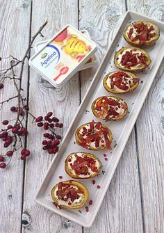 Chrupiące Skórki Ziemniaków z Prosciutto i Wędzonym Pstrągiem - smakowita przystawka, która w dodatku nie jest czasochłonna! Wytrawnie polecam :)