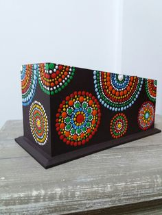 22 Top Wooden Home Decoration - Room Dekor 2021 Dot Art Painting, Mandala Painting, Mandala Art, Stone Painting, Mandala Rocks, Polymer Clay Art, Aboriginal Art, Pictures To Paint, Mandala Design