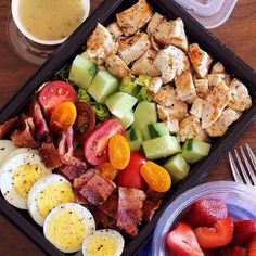 Here's An Easy Lunch That Will Bring Colorful Vegetables To Your Meal Prep - M. Here's An Easy Lunch That Will Bring Colorful Vegetables To Your Meal Prep – Meal Prep on Fleek Lunch Recipes, Diet Recipes, Healthy Recipes, Easy Recipes, Jucing Recipes, Bariatric Recipes, Shake Recipes, Ketogenic Recipes, Healthy Snacks