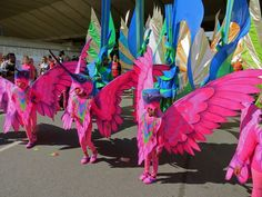 A University of Iowa professor is encouraging Iowans to bring their memories and fondness for the state to a creative process that will inspire floats and more for an Iowa City Carnaval Parade. Four sessions of Carnaval Art will be held at the UI's Old Capitol Museum beginning Oct. 4.