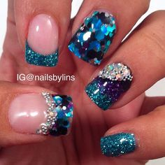 Bling nails, fancy nails, chunky glitter nails, blue glitter, silver na Chunky Glitter Nails, Sparkle Nails, Silver Nails, Fancy Nails, Bling Nails, Blue Glitter, Bling Bling, Get Nails, Prom Nails