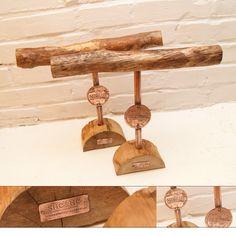 hand made bracelets display, diy, wood display, website: bransoletkiprzyjazni.pl