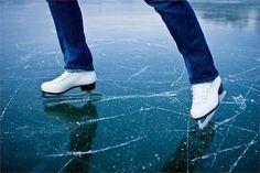 El Parque de la Alameda de Santiago de Compostela acogerá desde el 6 de Diciembre del 2014 hasta el 1 de Febrero del 2015 un parque de hielo en donde los asistentes podrán disponer de una pista de hielo natural para disfrutar de momentos inolvidables