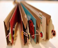 I love this idea. So fun to give someone this as a gift/card with encouraging thoughts and pictures tucked in the bags! Paper Bag Books, Paper Bag Crafts, Paper Bag Album, Mini Albums Scrapbook, Paper Bag Scrapbook, Scrapbook Cards, Diy Album Photo, How To Make Scrapbook, Baby Album