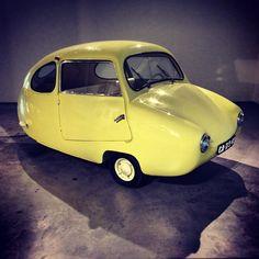 Fuldamobile. Germany 1955. Strange Cars, Weird Cars, Classic Motors, Classic Cars, Cute Cars, Funny Cars, Microcar, Small Cars, Car Humor