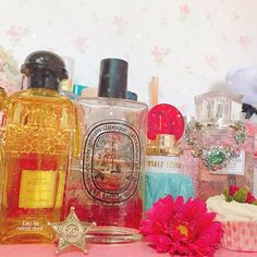 2016/11/07 12:57:56 m_7s2 ただいま我が家🏠💕 床に物が置いてあるのが苦手だから、昨日終電で🏠帰ってきて、深夜に2個のスーツケース片付け...やっぱり自分の部屋が一番落ち着く😊🙏💚❤️✨ #home#candle#room#interior#pink#cosmetics#perfume#beauty#beautiful#chanel#hermes#makeup#love#loveit#cool#amazing#pink#me#good#happy#smile#cute#pretty#instagood#instalike#instadaily#life#girl#photo#香水#美容  #美容