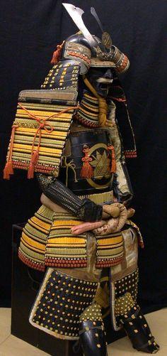 Google Image Result for http://www.tokyo-samurai-armor.com/samurai_armor_all_for_sale/all_samurai_armor_selected/gallery-samurai-japanese-art_7.jpg