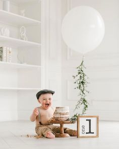 minimalistic setup for cake smash session for boys. love the outfit Simple First Birthday, Boys First Birthday Party Ideas, 1st Birthday Pictures, One Year Birthday, Wild One Birthday Party, Baby Boy First Birthday, Boy Birthday Parties, Birthday Gifts, Cake Smash Outfit Boy