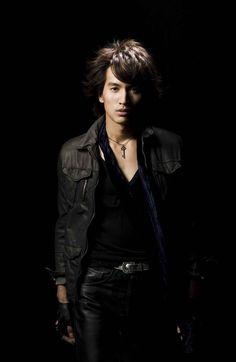 言承旭 点击进入下一页 Jerry Yan, F4 Meteor Garden, Boys Over Flowers, Lucky Star, Asian Actors, Grow Hair, Male Models, Handsome, Leather Jacket